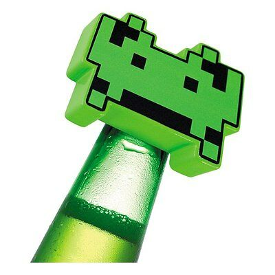Space Invaders 80's Retro Game Bottle Opener DIAMOND SELECT TOYS