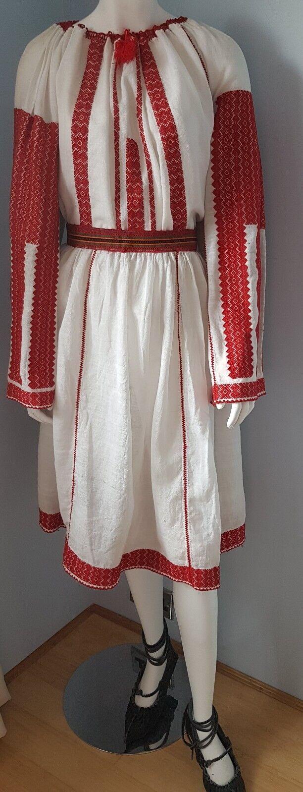 Vintage hand embroiderot Romanian blouse + belt
