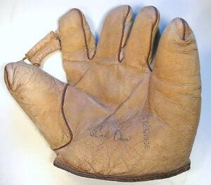 Rare-1930-40-039-s-white-leather-034-Bob-Doerr-034-model-baseball-glove