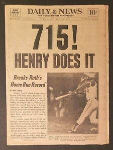 Hank-Aaron-Breaks-Babe-Ruth-039-s-Home-Run-Record-NY-Daily-News-4-9-74-Newspaper-715