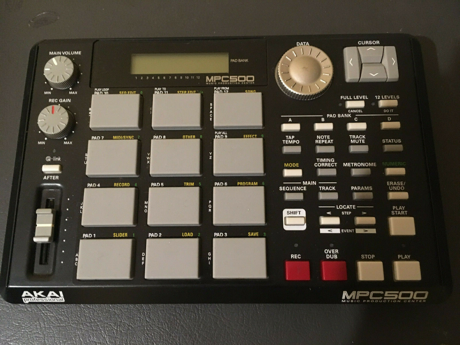 Akai MPC 500 Sequencer Sampler