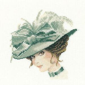 Heritage crafts élégance en miniature charlotte cross stitch kit  </span>