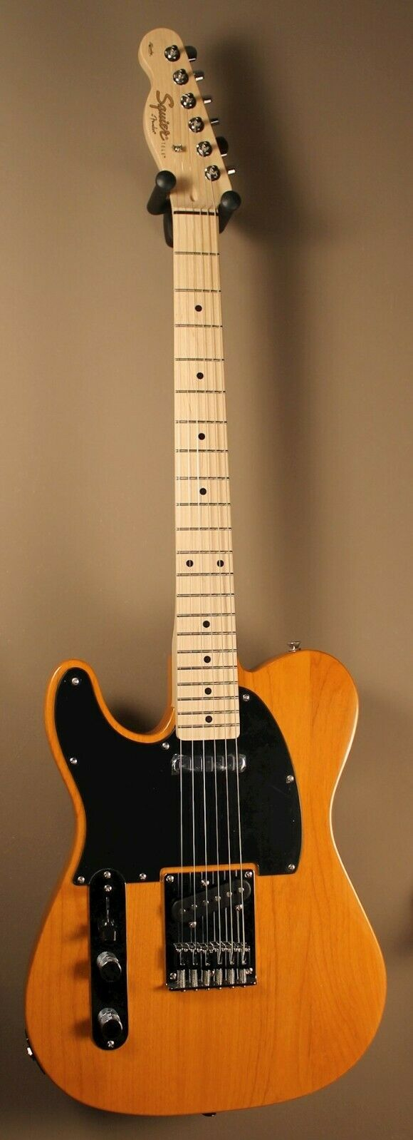 This Squier Telecaster electric guitar is for sale - Squier telecaster affinity Left Handed- Cash payments preferred