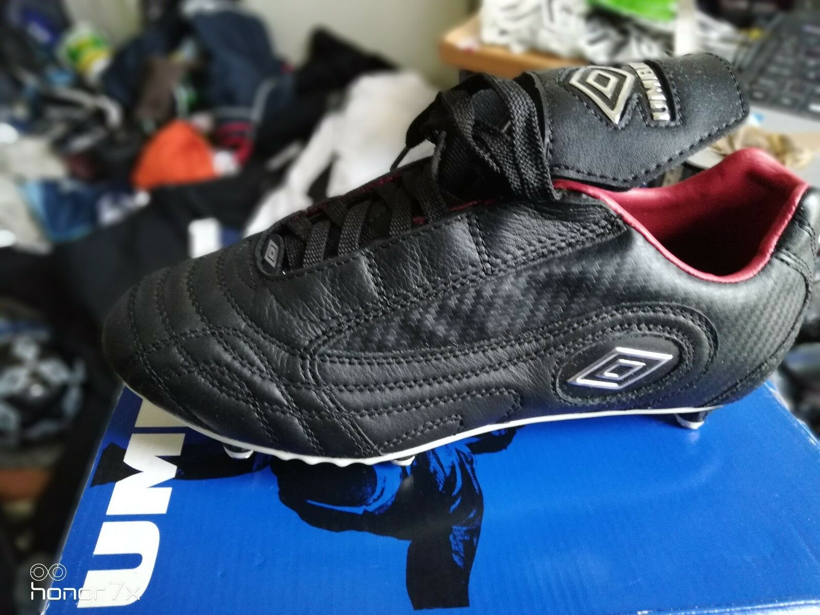 UMBRO  ENIGMA footbal BOOT in leather size  6  uk at   TOP OF RANGE