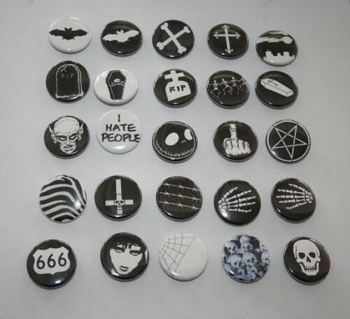 versch. Button Pin Gothic Batcave Punk Psychobilly Deathrock Siouxsie Bats Skull