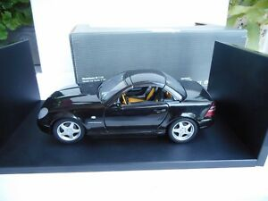 UT-Models-Mercedes-Benz-SLK-230-Kompressor-1-18-BLACK-NOIR-SUPER-SELTEN-M-BOX