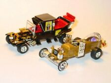 MUNSTERS KOACH & DRAGULA SET COLLECTIBLE DIORAMA FAMILY & COFFIN CAR -Gold/Black