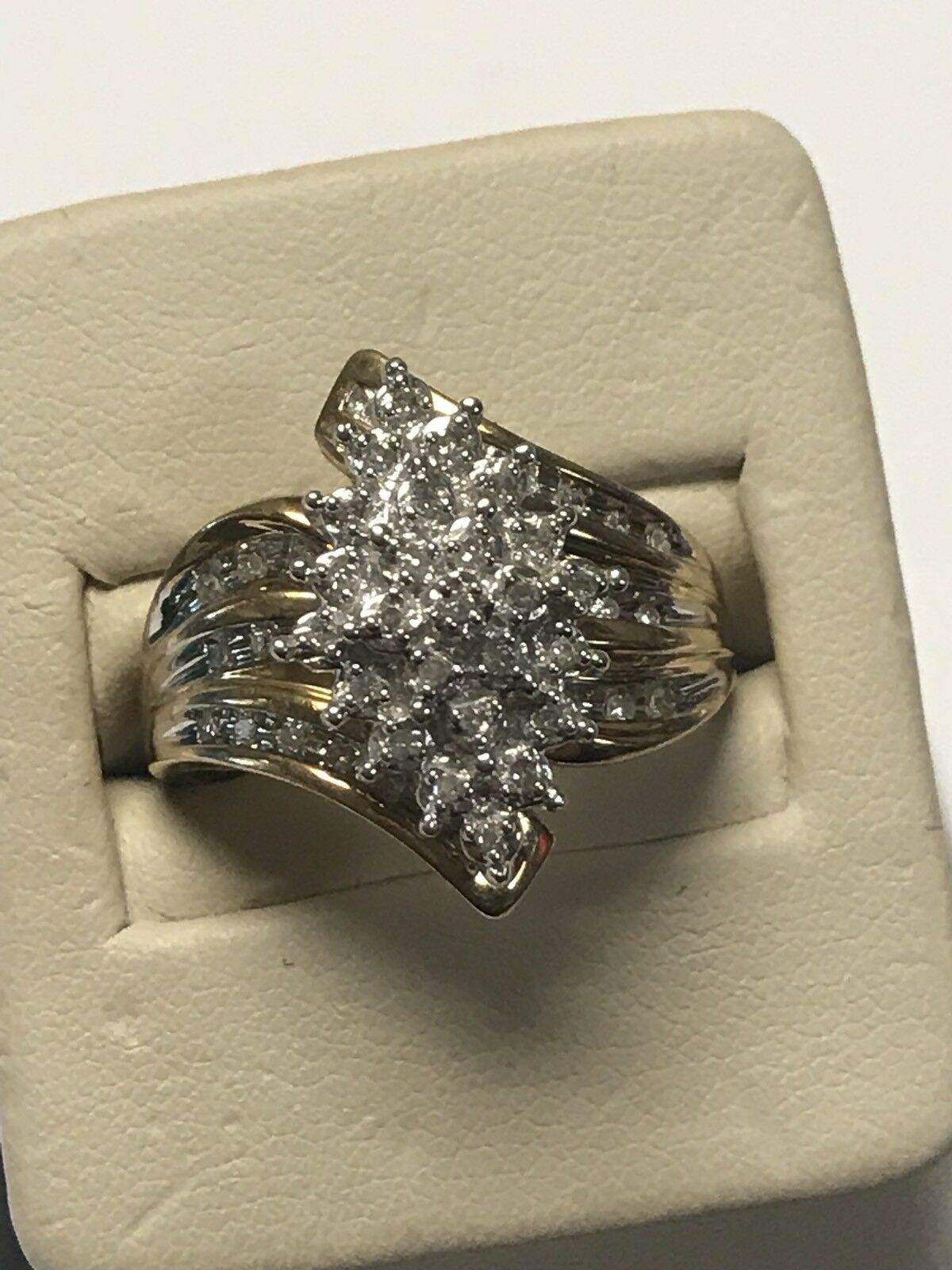 Gorgeous 10KT Yellow gold Marquise Shaped Round Diamond Accent Cluster Ring