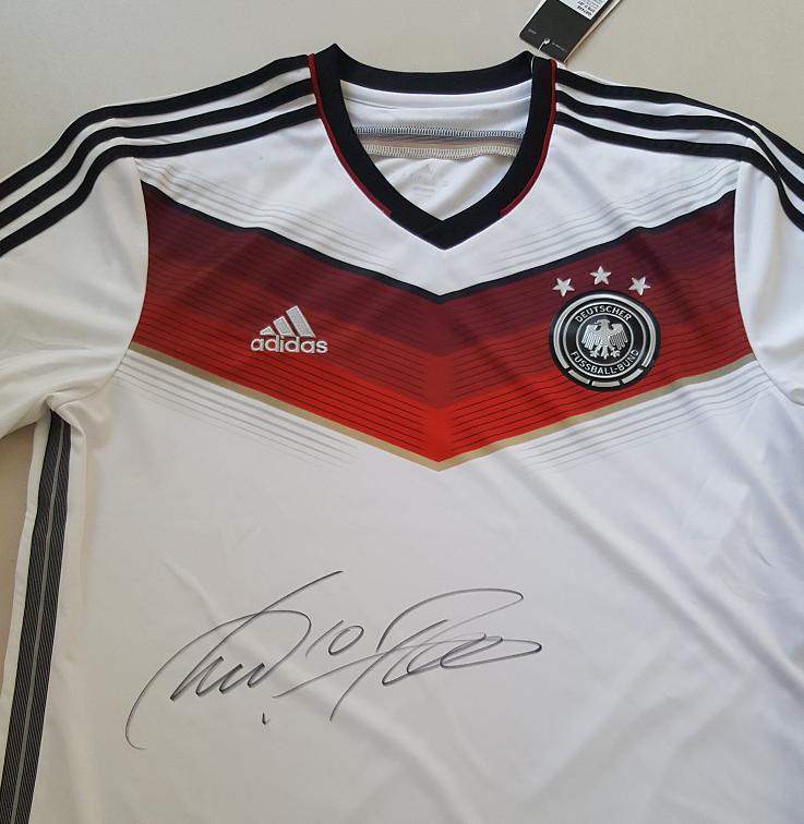 WM Trikot signiert von Lukas Podolski Autogramm Unterschrift 1. FC Arsenal Köln Arsenal FC 3d662b