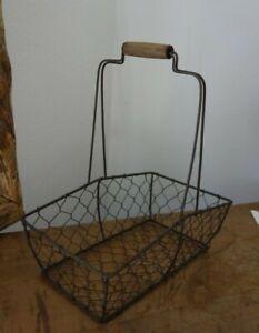 Korb Draht 24 x 24 x 5 cm mit Holzgriff Tablett