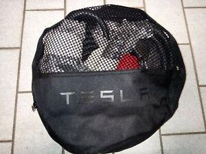 Tesla Ladegerät UMC 1.Gen. CEE rot und orig. Tasche, ohne Schuko - gebraucht