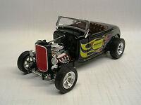 1932 Ford Roadster Meineke Car Care Center 1:25 Die-cast Speccast 26174