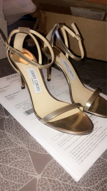 Sko, HELT NYE Jimmy choo mirror leather sandal i gold str…