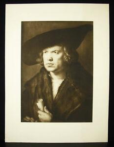 Albrecht-Durer-1471-1528-Portrait-of-A-Man-With-Baret-amp-Scroll-1521
