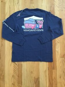 NWT-Men-039-s-Vineyard-Vines-Tailgate-Football-Whale-Pocket-T-Shirt-Medium
