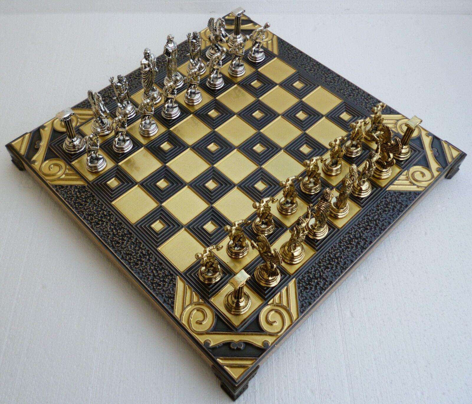 La mythologie  grecque Chess Set Avec bronze Board & Métal pièces réalisées en Grèce 10.63   parfait