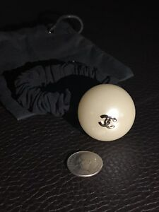 Authentic New CHANEL Runway Large Jumbo Pearl CC Hair Jewelry Tie ... 037ddb1665e