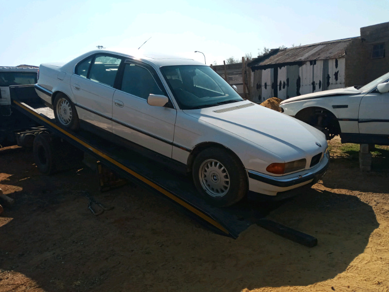 Bmw  e38 stripping for parts  740 i
