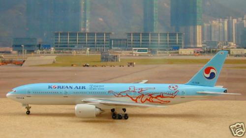 Korean Air B777-2B5ER (NC) (HL7598)  World Cup 2002