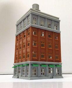 Outland-Models-Train-Railroad-City-Classic-Tall-Building-Grand-Hotel-N-Scale