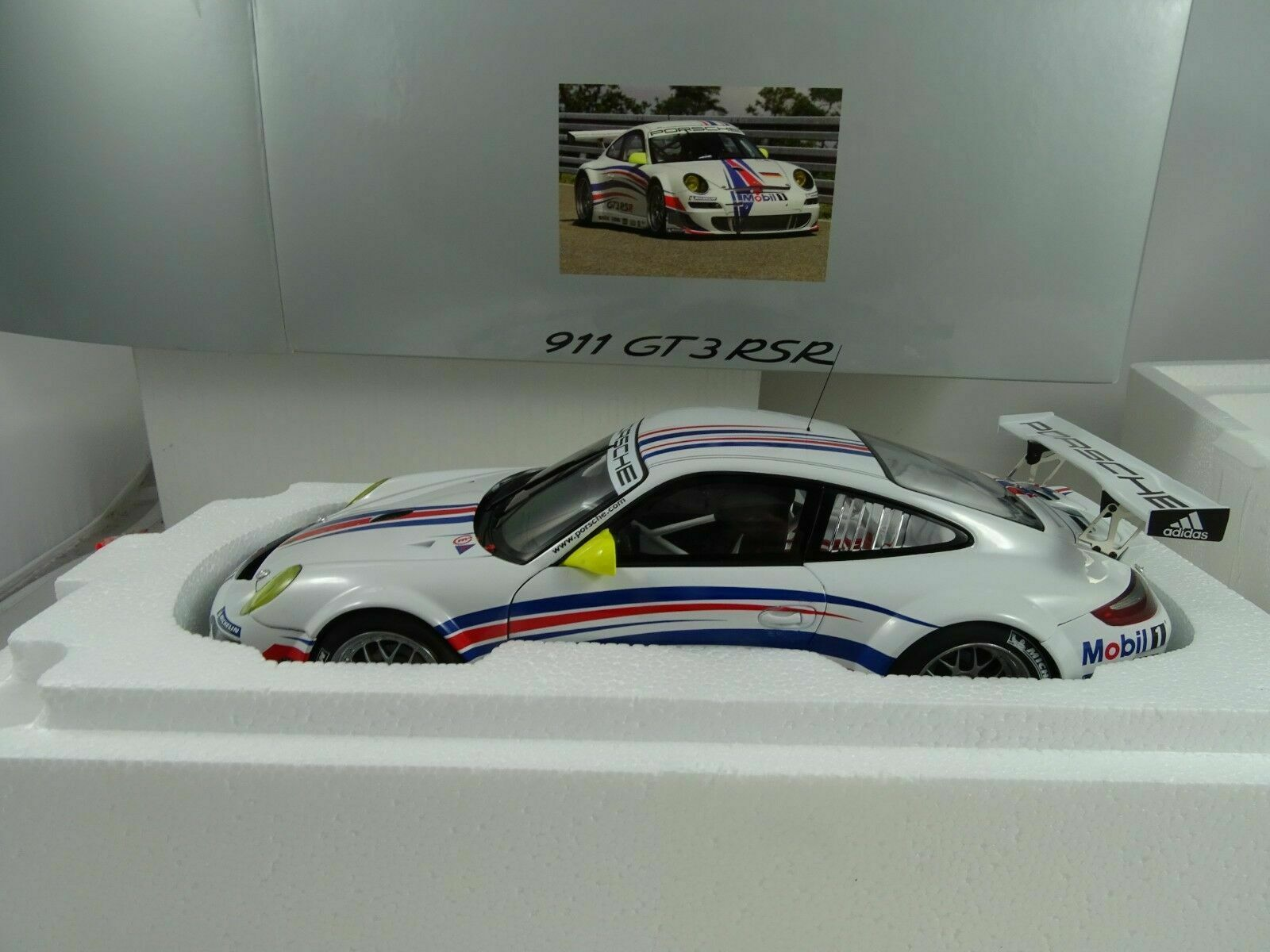 1 18 Autoart Dealermodell  WAP02100618 Porsche 911 GT3 Rsr Nuevo Embalaje