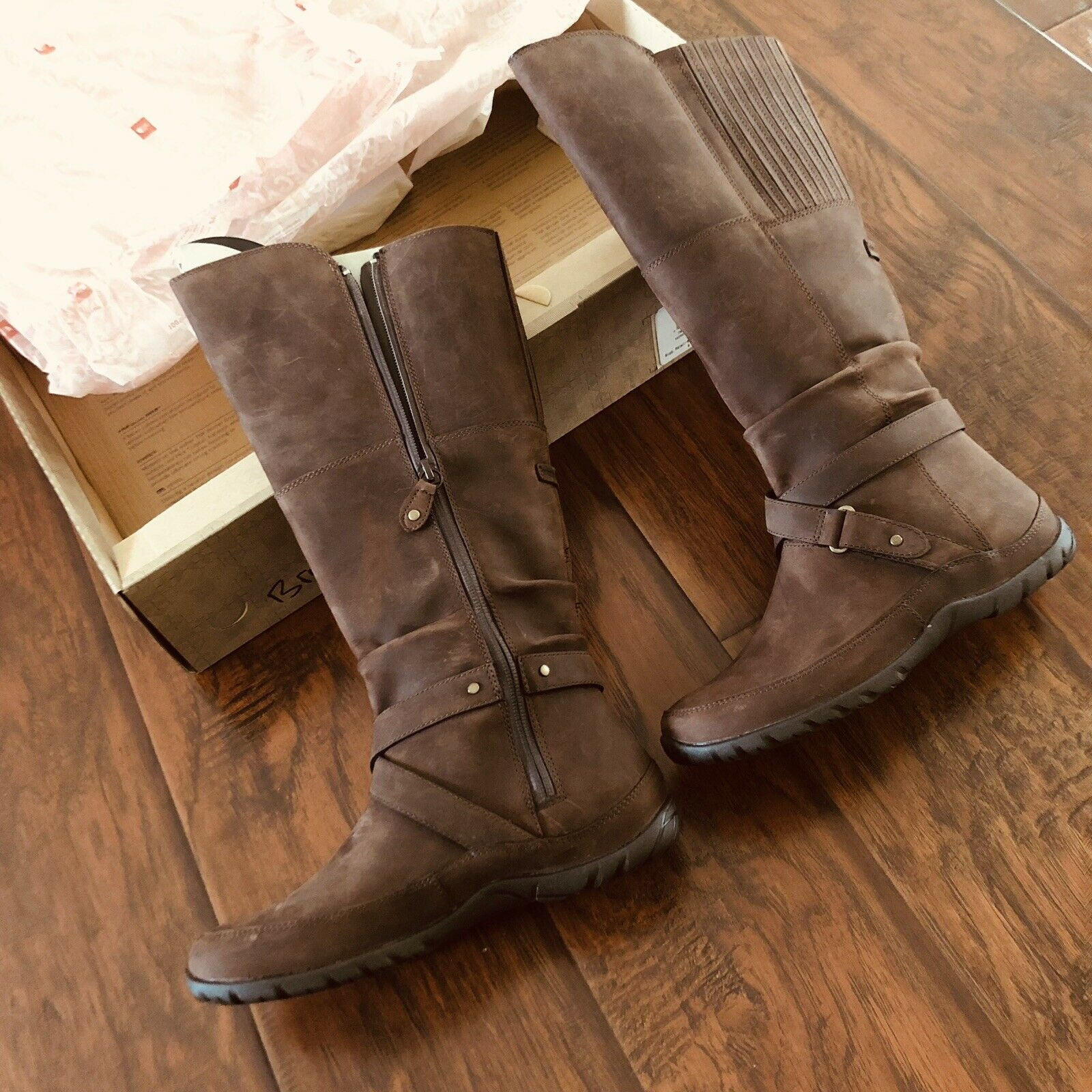 The North Face Womens Camryn II Mid Calf Boots Brown Size 7