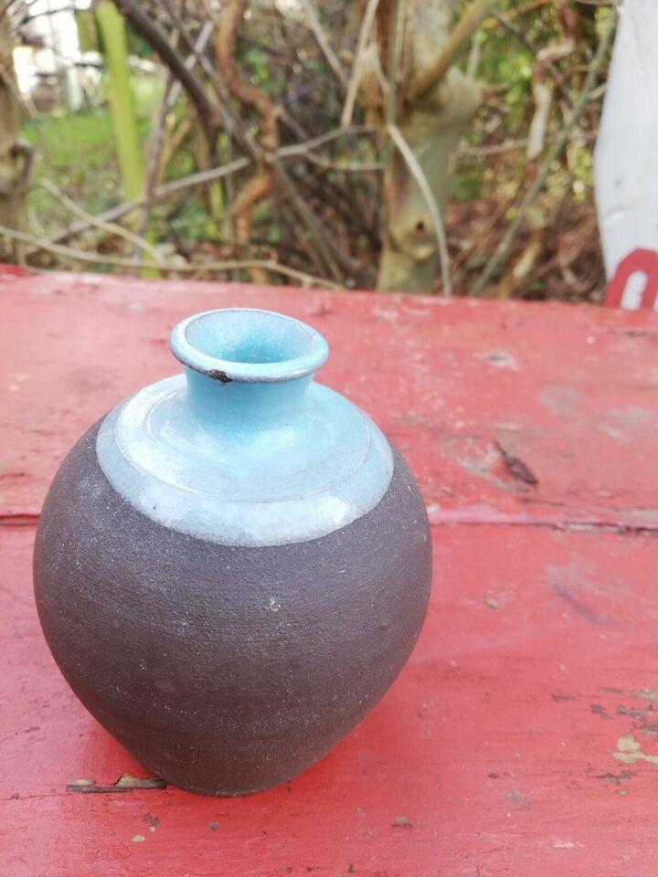 Vase, Vase, Gregers