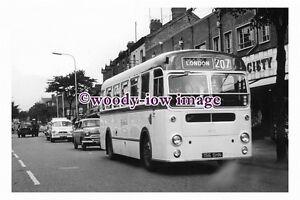 ab0130-United-Coach-Bus-156-SHN-to-London-photograph