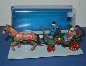 LEMAX Village Collection Table Accent ROMANTIC HORSE DRAWN CARRIAGE RIDE #03850