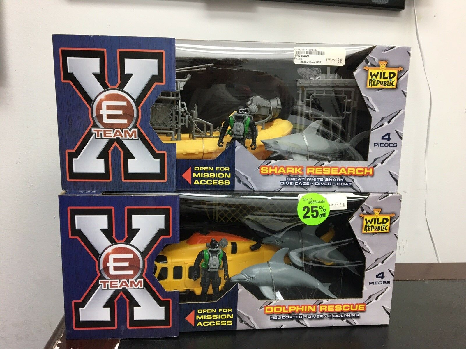 E-Team X Wild Republic Shark Research & Dolphin Rescue Action Figures New In Box
