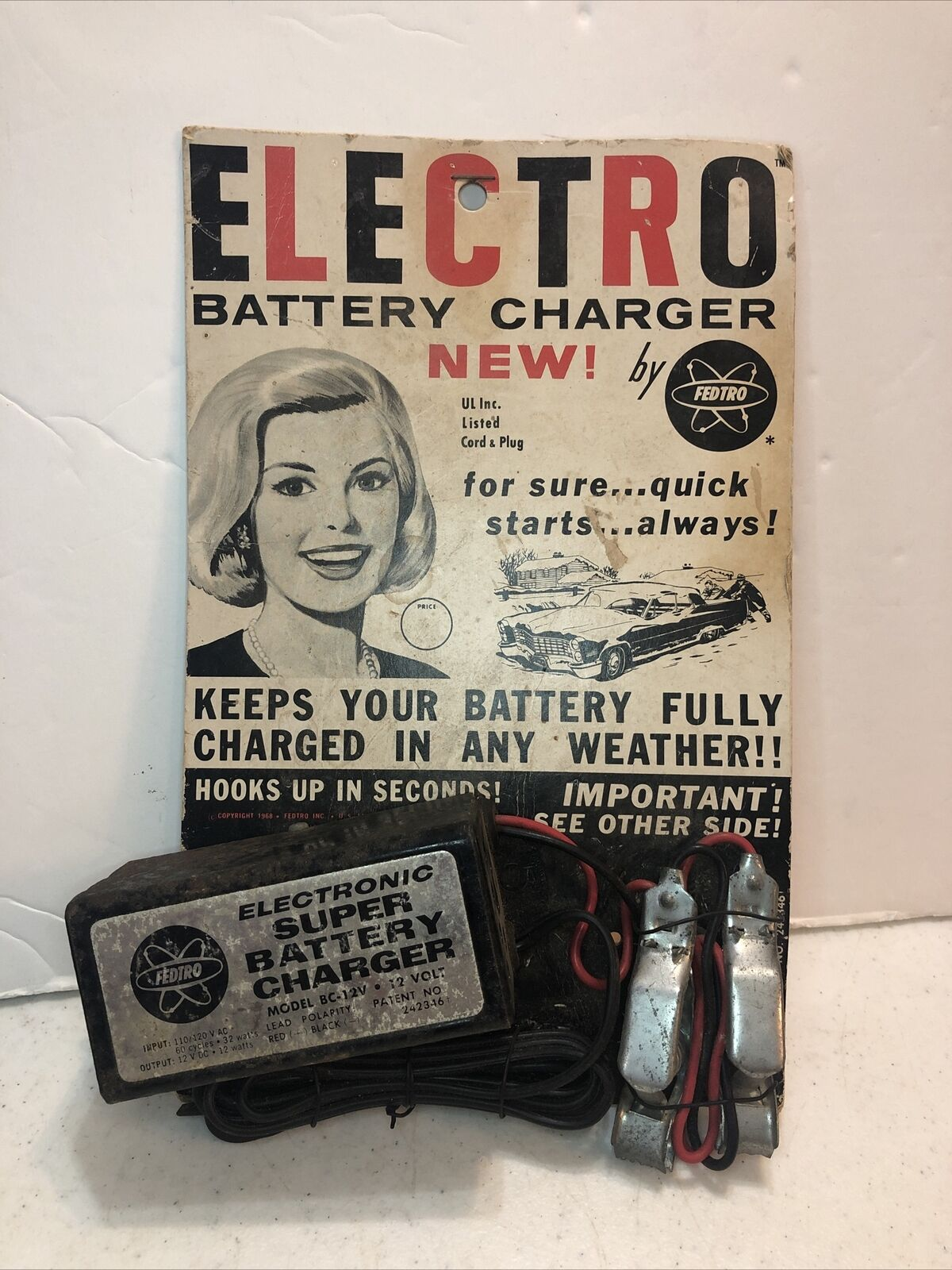 vintage 1968 ELECTRIC BATTERY CHARGER by Fedtro on original card untested