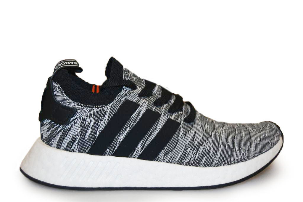 Hombre Adidas NMD R2 PK - BY9409 - Core Core Core Negro Trainers c709d0