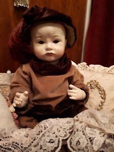 Antique-Reproduction-SFBJ-252-Paris-Pouty-Face-Doll