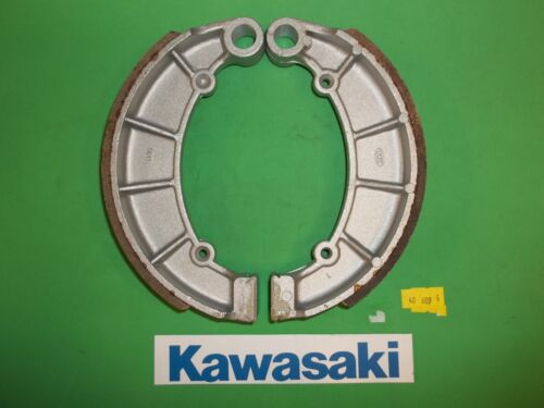 40-609 Emgo KAWASAKI STREET BIKE REAR  BRAKE SHOES  713* NON GROOVED
