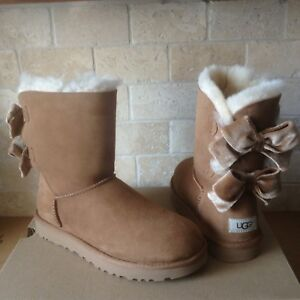 edb64f45cc0 Details about UGG SHORT BAILEY BOW II VELVET RIBBON CHESTNUT SUEDE BOOTS  SIZE US 8 WOMENS