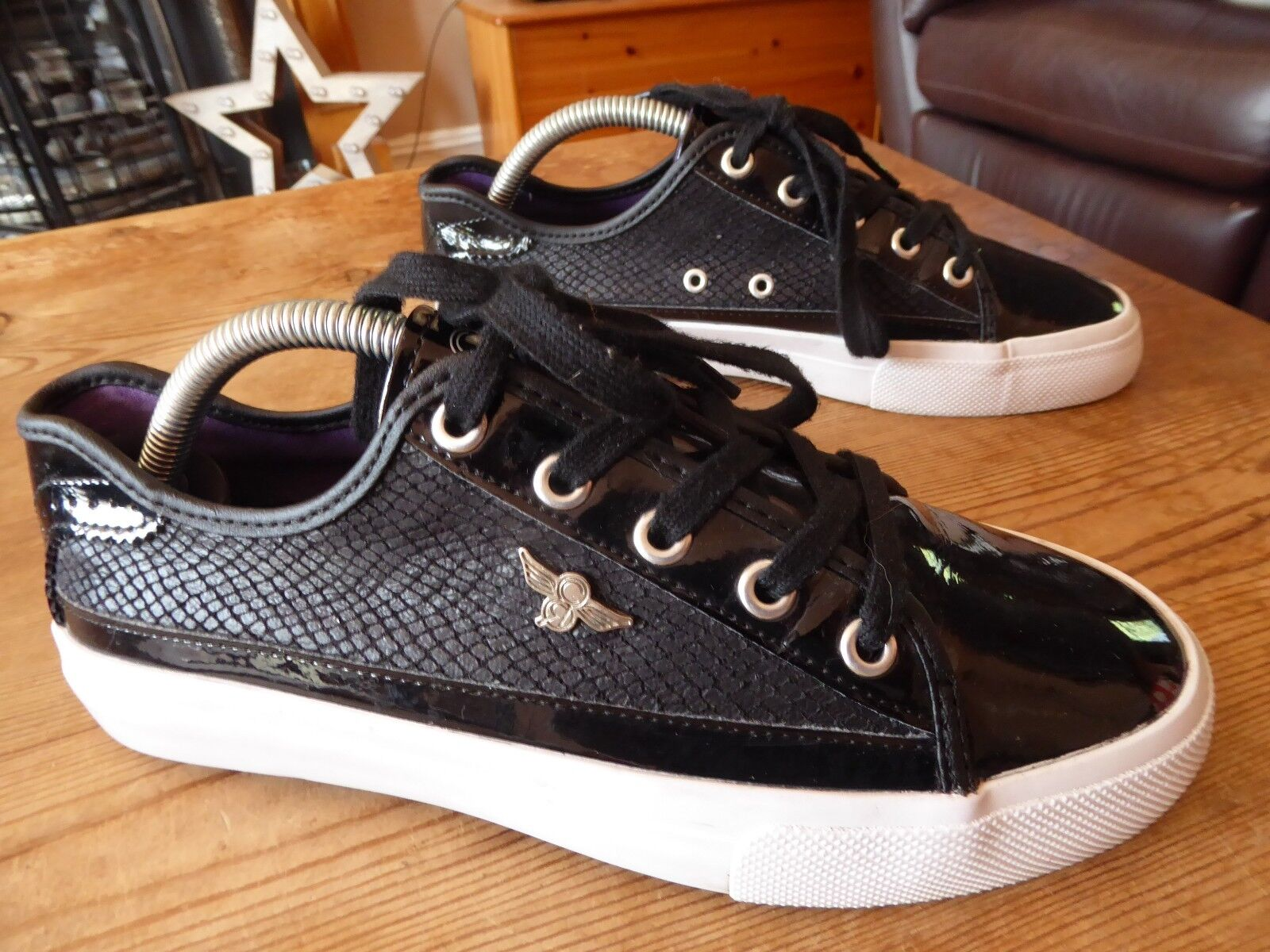 Mens CREATIVE RECREATION trainers - size 38 great condition