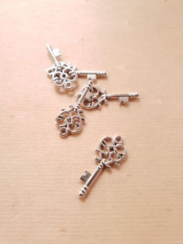 20 x Wunderbar silberne Schlüssel Anhänger ♥ Schmuckzubehör Basteln Deko Charms