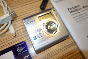 Sony-MD-NH700-Silber-HI-Recrder-Player-Net-Minidisc-Walkman-54-AL-Remote