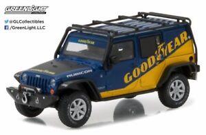 Greenlight-1-43-2016-Jeep-Wrangler-Goodyear-w-Roof-Rack-Fender-Flares-amp-Winch