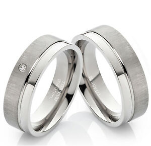 Eheringe-Verlobungsringe-Trauringe-aus-Titan-mit-echtem-Diamant-und-Gravur-TB019