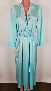VINTAGE Sultry Blue OLGA Nylon And Lace Robe M 94270 Made in USA
