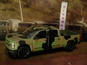 US-ARMY-Greenlight-2015-CHEVY-SILVERADO-camo-Green-truck-Loose-2016-Motor-World