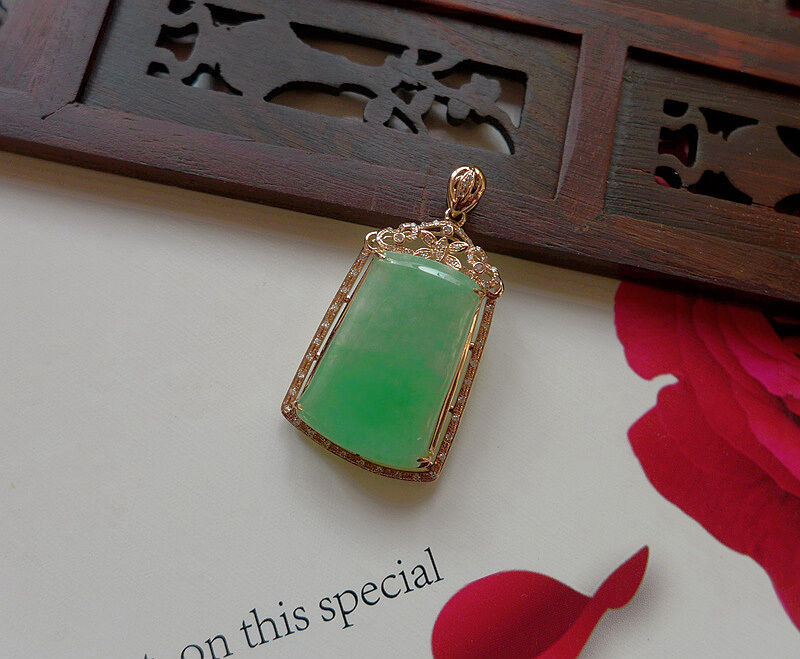 Fine Natural Type A Emerald Jadeite Jade Safety Pendant 18K