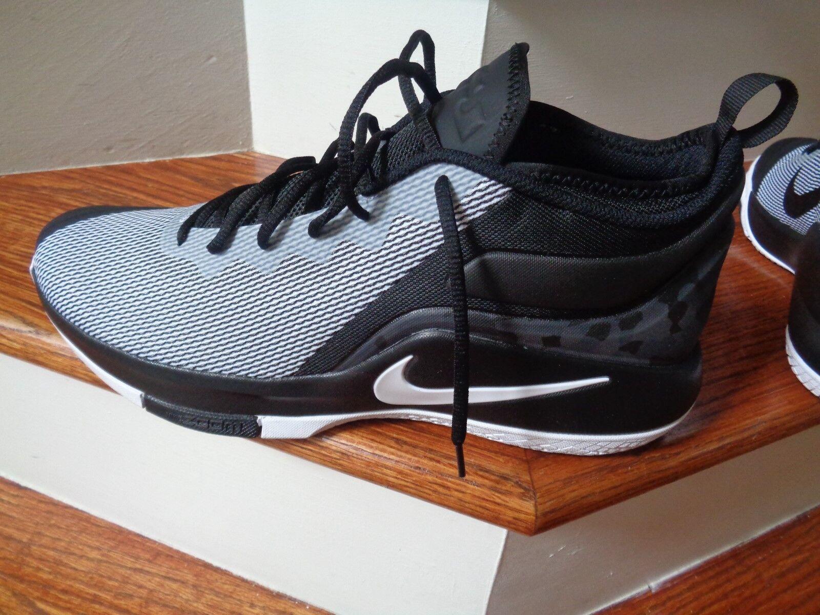 Nike Zoom LeBron testigo II 011 hombres zapatos de baloncesto, 942518 011 II comodo el último descuento zapatos para hombres y mujeres 9c2973