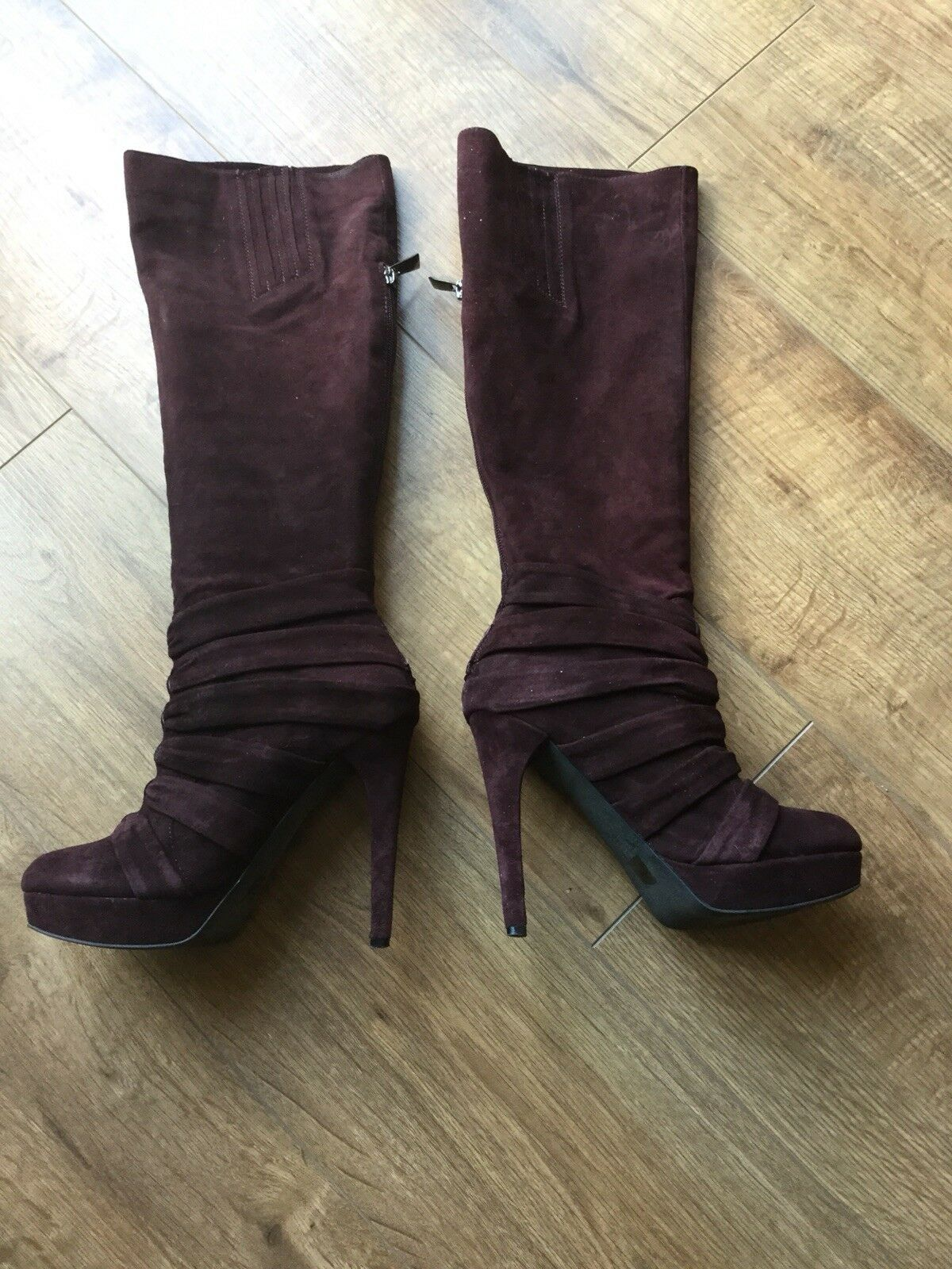 Boxed Ladies Schuh Burgundy Suede Sissy Ruched Knee High Heeled Boots Size