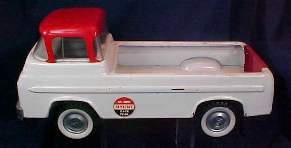 Vintage Metal Nylint Race Team Ford Econoline Truck rot Weiß No. 5900