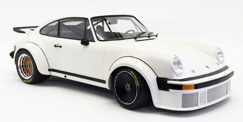 Minichamps 1 12 Scale Model Car 125 766404 - 1976 Porsche 934 - White