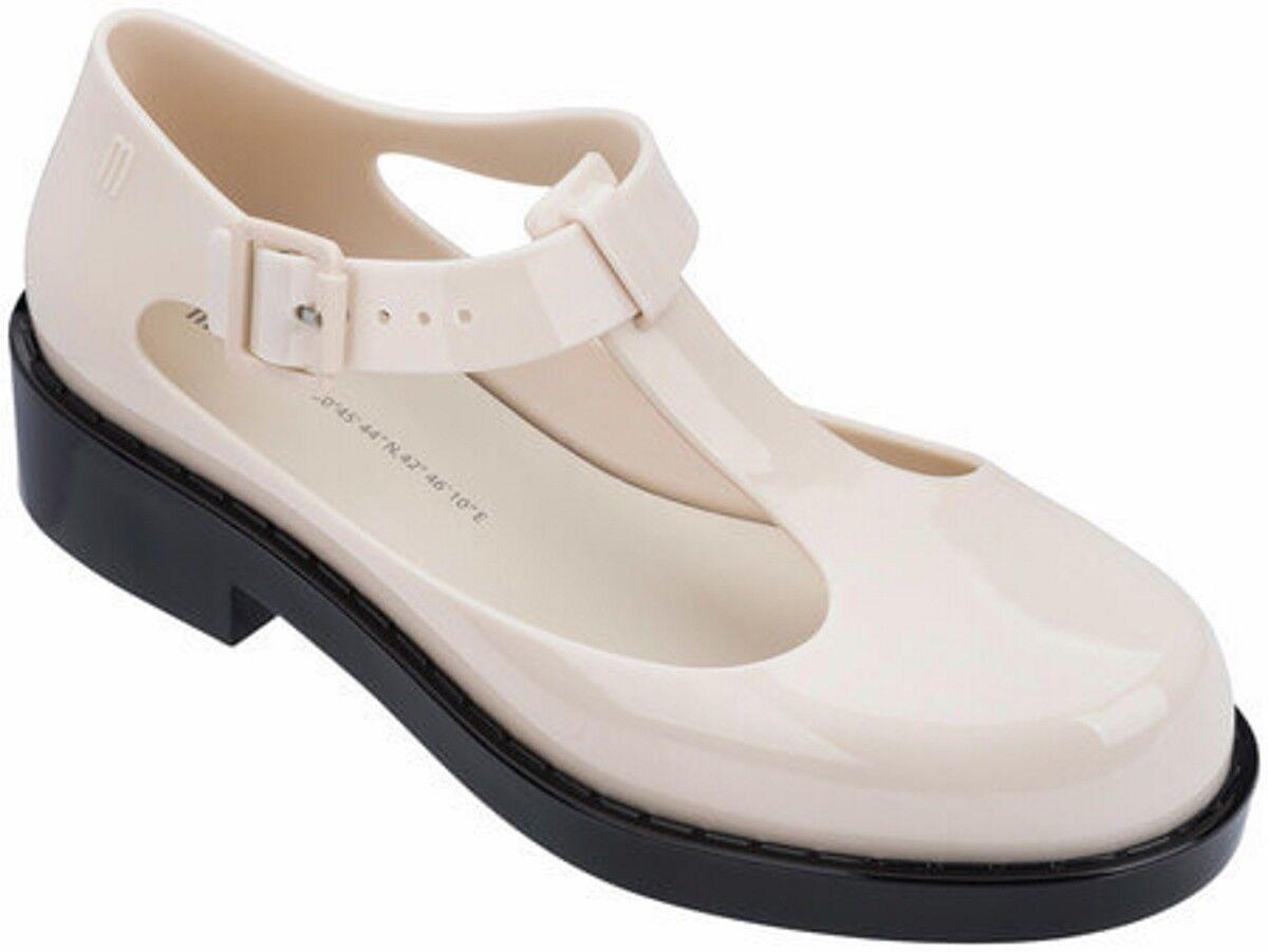 Melissa Sandalo Kazakova, Kazakova sandals