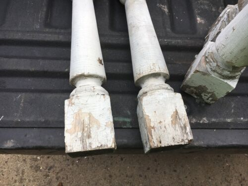 """c1900 Victorian chunky porch baluster spindles set of 4-18 1//8/"""" x 2 7//8/"""" sq"""