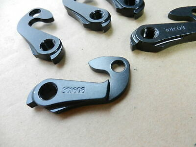 Trek Bicycle Derailleur Hanger Dropout 301608 1pcs Black